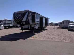 2015 Thundebolt 385 Toy Hauler 5th wheel