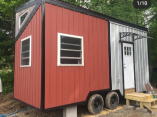 18.5'x8′ custom tiny home